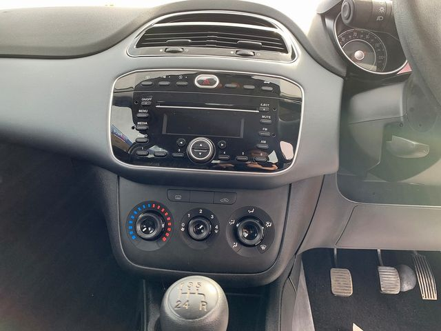 FIAT Punto Evo 1.4 8v Active (2010) for sale  in Peterborough, Cambridgeshire | Autobay Cars - Picture 20