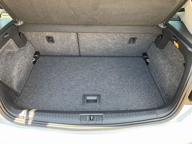 VOLKSWAGEN Polo 1.6 TDI 90 PS SEL (2011) for sale  in Peterborough, Cambridgeshire | Autobay Cars - Picture 36