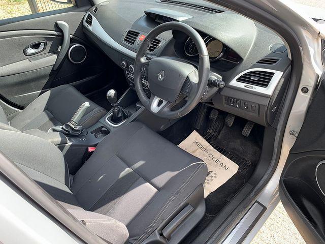 RENAULT Megane Hatch Dynamique S 1.5 dCi 106 EU4 (2009) for sale  in Peterborough, Cambridgeshire | Autobay Cars - Picture 14