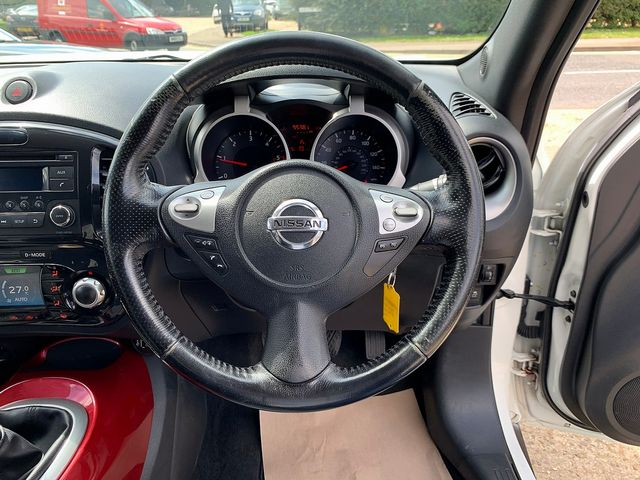 NISSAN Juke Acenta + Sport Pack 1.5 dCi (2011) for sale  in Peterborough, Cambridgeshire | Autobay Cars - Picture 18