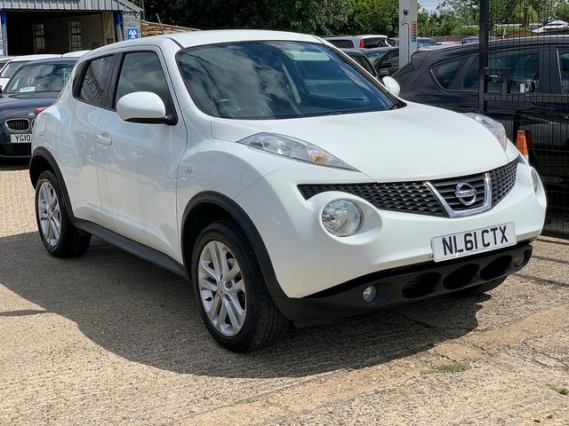 NISSAN Juke Acenta + Sport Pack 1.5 dCi (2011) for sale  in Peterborough, Cambridgeshire | Autobay Cars - Picture 2