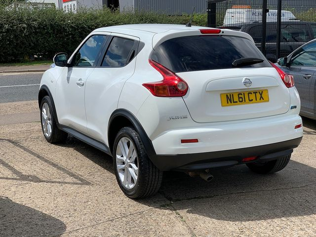 NISSAN Juke Acenta + Sport Pack 1.5 dCi (2011) for sale  in Peterborough, Cambridgeshire | Autobay Cars - Picture 4