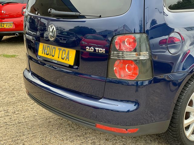 VOLKSWAGEN Touran Match 2.0 TDI 140 PS (2010) for sale  in Peterborough, Cambridgeshire | Autobay Cars - Picture 6