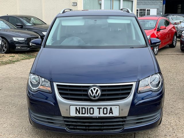 VOLKSWAGEN Touran Match 2.0 TDI 140 PS (2010) for sale  in Peterborough, Cambridgeshire | Autobay Cars - Picture 9