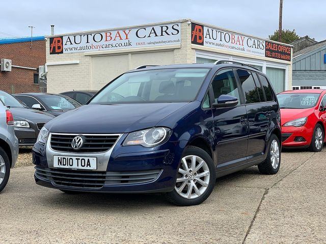 VOLKSWAGEN Touran Match 2.0 TDI 140 PS (2010) for sale  in Peterborough, Cambridgeshire | Autobay Cars - Picture 1