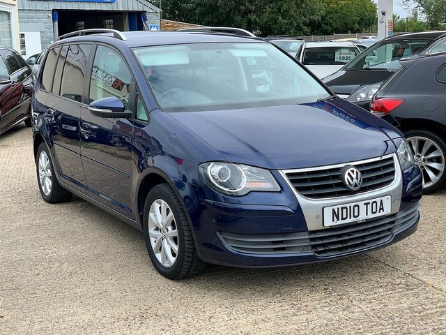 VOLKSWAGEN Touran Match 2.0 TDI 140 PS (2010) for sale  in Peterborough, Cambridgeshire | Autobay Cars - Picture 2