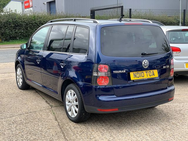 VOLKSWAGEN Touran Match 2.0 TDI 140 PS (2010) for sale  in Peterborough, Cambridgeshire | Autobay Cars - Picture 4