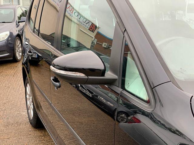 VOLKSWAGEN Touran S 1.6 TDI 105PS (2010) for sale  in Peterborough, Cambridgeshire | Autobay Cars - Picture 8