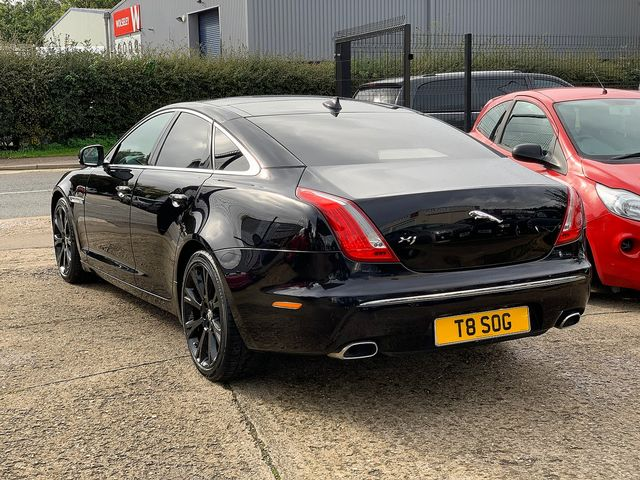 JAGUAR XJ Portfolio 3.0 V6 Diesel (2013) for sale  in Peterborough, Cambridgeshire | Autobay Cars - Picture 4