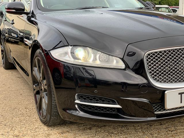 JAGUAR XJ Portfolio 3.0 V6 Diesel (2013) for sale  in Peterborough, Cambridgeshire | Autobay Cars - Picture 8