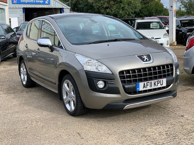 PEUGEOT 3008 Exclusive HDi 112 FAP EGC (2011) for sale  in Peterborough, Cambridgeshire | Autobay Cars - Picture 2