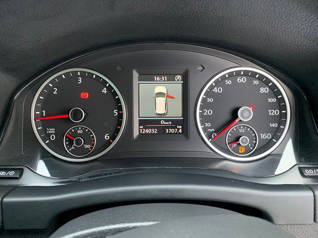 VOLKSWAGEN Tiguan SE TDI 4MOTION BlueMotion 2.0 140 PS (2012) for sale  in Peterborough, Cambridgeshire | Autobay Cars - Picture 25
