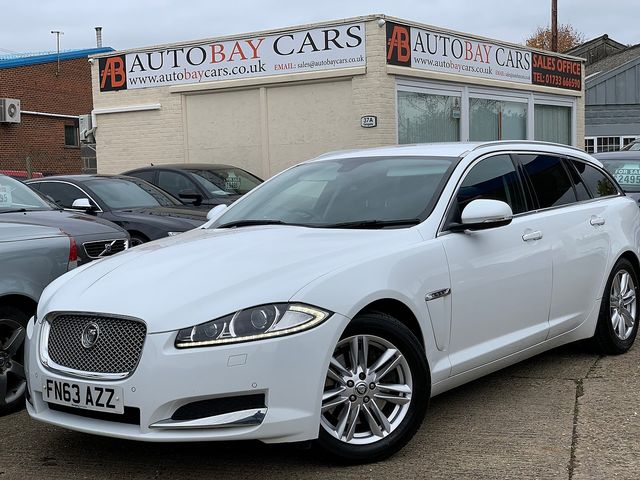 JAGUAR XF Sportbrake 2.2 Diesel Luxury 163PS (2013) for sale  in Peterborough, Cambridgeshire | Autobay Cars - Picture 1