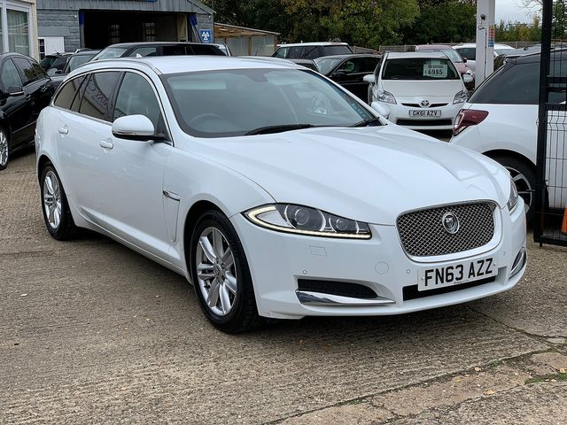 JAGUAR XF Sportbrake 2.2 Diesel Luxury 163PS (2013) for sale  in Peterborough, Cambridgeshire | Autobay Cars - Picture 2