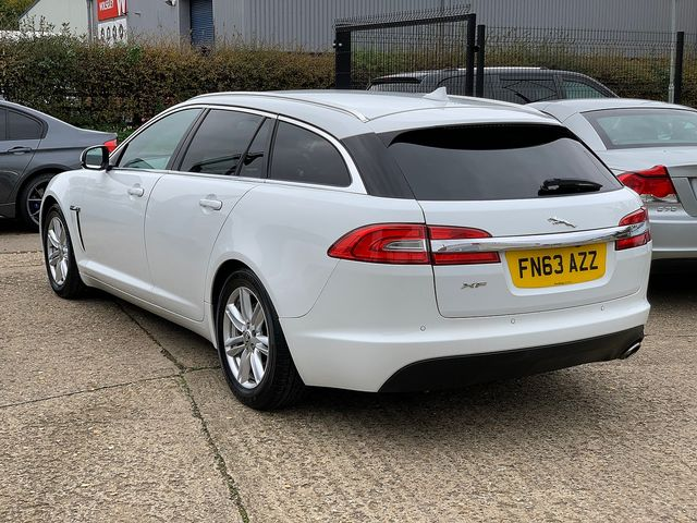 JAGUAR XF Sportbrake 2.2 Diesel Luxury 163PS (2013) for sale  in Peterborough, Cambridgeshire | Autobay Cars - Picture 4