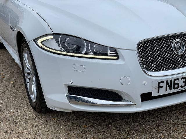 JAGUAR XF Sportbrake 2.2 Diesel Luxury 163PS (2013) for sale  in Peterborough, Cambridgeshire | Autobay Cars - Picture 8