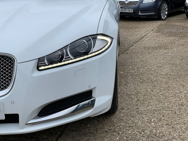 JAGUAR XF Sportbrake 2.2 Diesel Luxury 163PS (2013) for sale  in Peterborough, Cambridgeshire | Autobay Cars - Picture 9