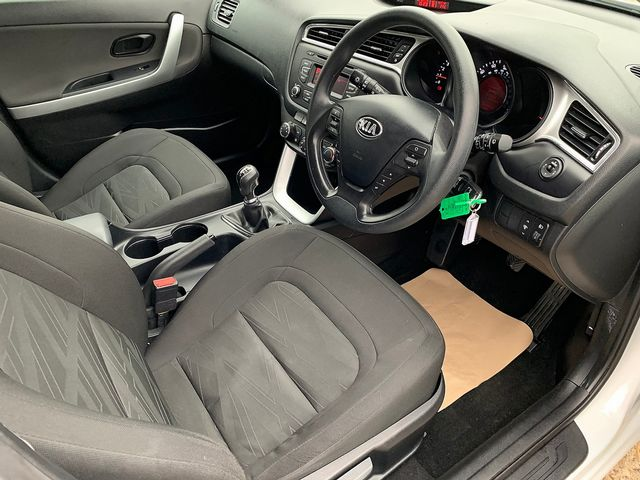 KIA Cee'd 1.4 CRDi 89bhp 6-speed manual (2016) for sale  in Peterborough, Cambridgeshire | Autobay Cars - Picture 15