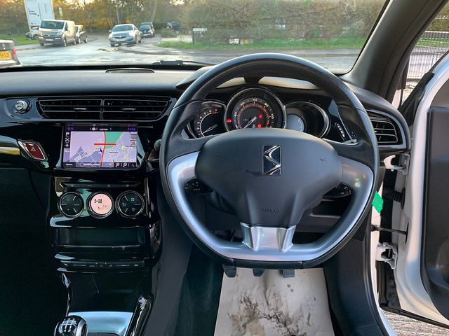 DS DS 3 DStyle Nav PureTech 110 S&S (2015) for sale  in Peterborough, Cambridgeshire | Autobay Cars - Picture 17