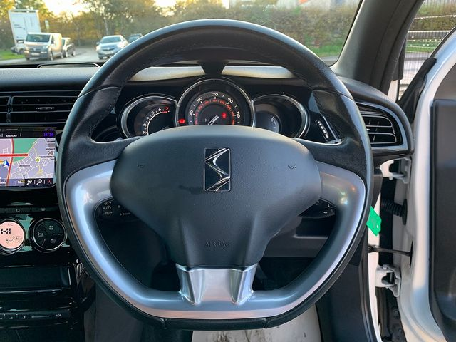 DS DS 3 DStyle Nav PureTech 110 S&S (2015) for sale  in Peterborough, Cambridgeshire | Autobay Cars - Picture 18