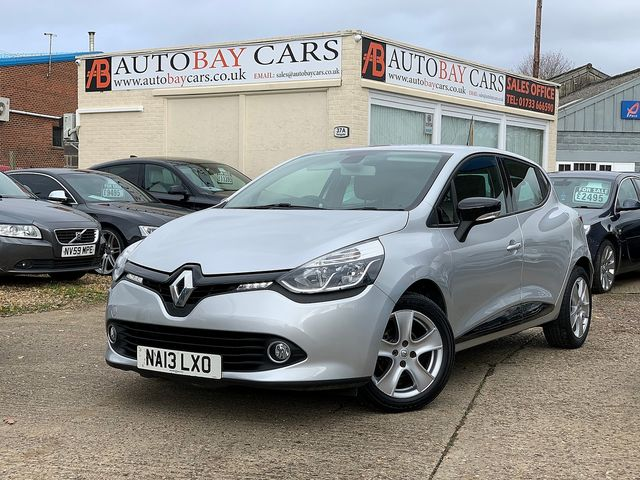 RENAULT Clio Dynamique MediaNav dCi 90 S&S (2013) for sale  in Peterborough, Cambridgeshire | Autobay Cars - Picture 1