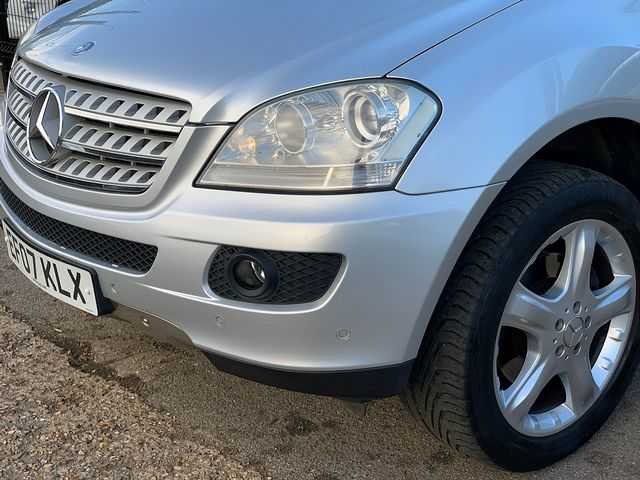 MERCEDES M-class ML 320 CDi Sport (2007) for sale  in Peterborough, Cambridgeshire | Autobay Cars - Picture 8