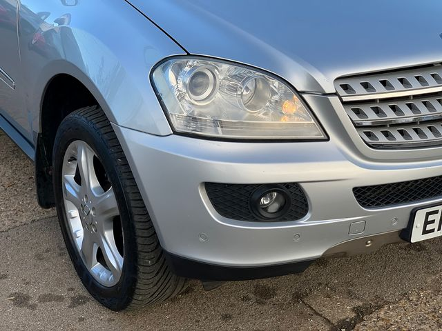 MERCEDES M-class ML 320 CDi Sport (2007) for sale  in Peterborough, Cambridgeshire | Autobay Cars - Picture 9