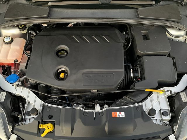 FORD Focus Zetec 1.6 TDCi 115 PS (2013) for sale  in Peterborough, Cambridgeshire   Autobay Cars - Picture 36
