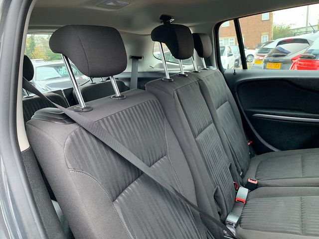 VAUXHALL Zafira Tourer EXCLUSIV 1.8i 140PS (2015) for sale  in Peterborough, Cambridgeshire | Autobay Cars - Picture 36