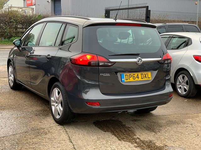 VAUXHALL Zafira Tourer EXCLUSIV 1.8i 140PS (2015) for sale  in Peterborough, Cambridgeshire | Autobay Cars - Picture 4