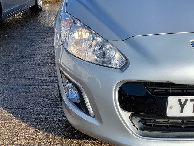 PEUGEOT 308 Active HDi 92 (2012) for sale  in Peterborough, Cambridgeshire | Autobay Cars - Picture 11