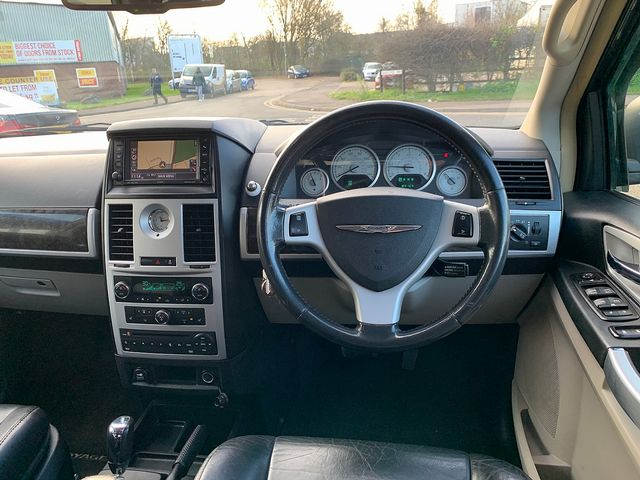 CHRYSLER Voyager 2.8 CRD LX Auto (2011) for sale  in Peterborough, Cambridgeshire | Autobay Cars - Picture 21