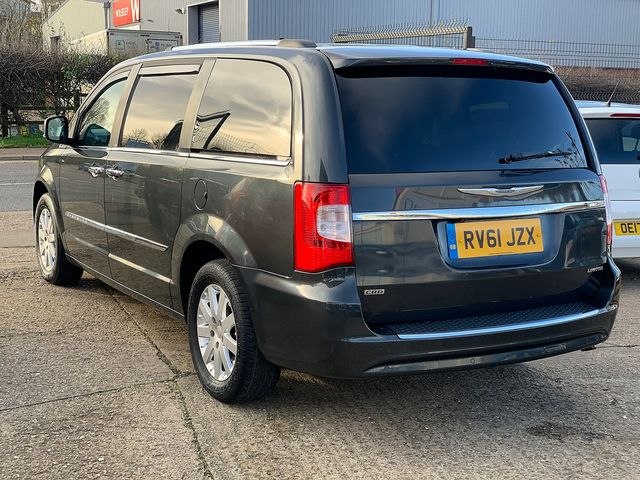 CHRYSLER Voyager 2.8 CRD LX Auto (2011) for sale  in Peterborough, Cambridgeshire | Autobay Cars - Picture 5