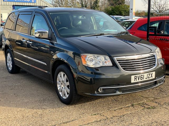CHRYSLER Voyager 2.8 CRD LX Auto (2011) for sale  in Peterborough, Cambridgeshire | Autobay Cars - Picture 2