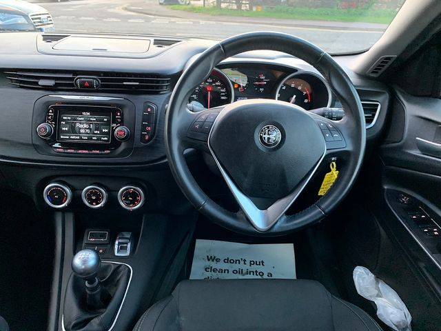 ALFA ROMEO Giulietta 1.4 TB 120 bhp Giulietta (2016) for sale  in Peterborough, Cambridgeshire | Autobay Cars - Picture 18