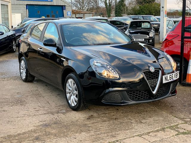 ALFA ROMEO Giulietta 1.4 TB 120 bhp Giulietta (2016) for sale  in Peterborough, Cambridgeshire | Autobay Cars - Picture 2