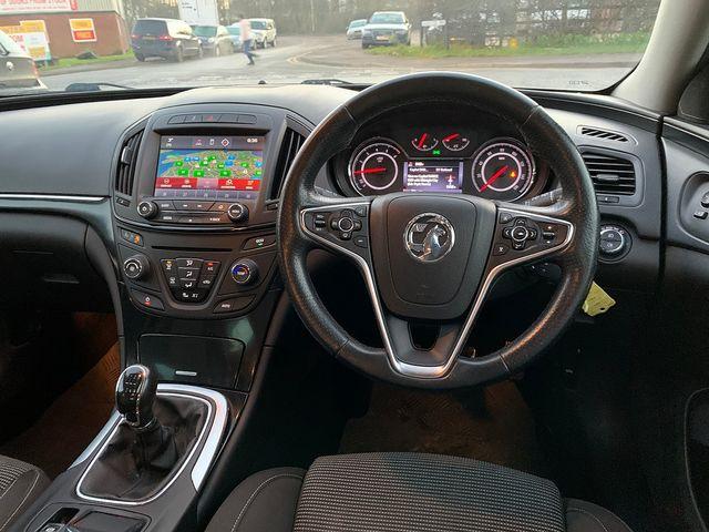 VAUXHALL Insignia SRi NAV 2.0CDTi (140PS) ecoFLEX S/S (2013) for sale  in Peterborough, Cambridgeshire | Autobay Cars - Picture 16