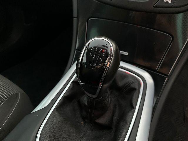 VAUXHALL Insignia SRi NAV 2.0CDTi (140PS) ecoFLEX S/S (2013) for sale  in Peterborough, Cambridgeshire | Autobay Cars - Picture 29