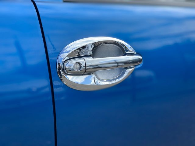 TOYOTA Hilux Invincible X 3.0 D-4D 171 Auto (2015) for sale  in Peterborough, Cambridgeshire | Autobay Cars - Picture 20