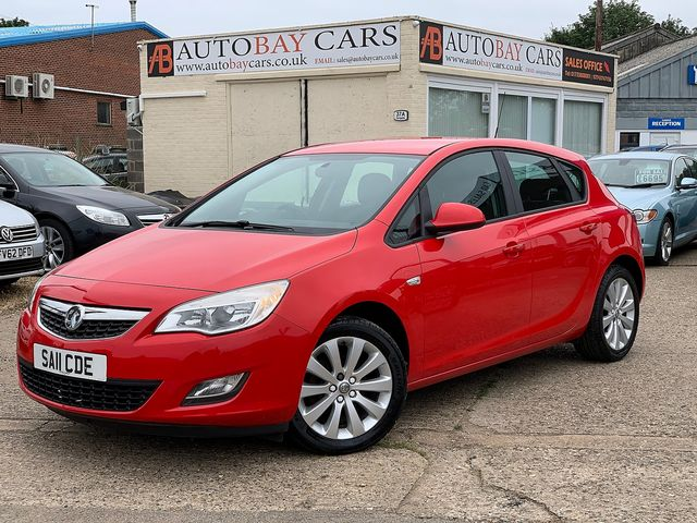 VAUXHALL Astra SRi 1.4i 16v VVT (100PS) (2011) for sale  in Peterborough, Cambridgeshire | Autobay Cars - Picture 1