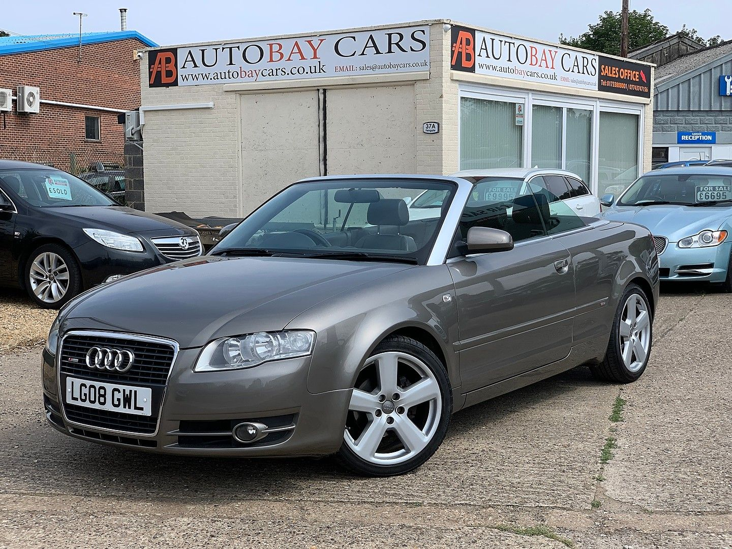AUDIA42.0 TDI S line for sale