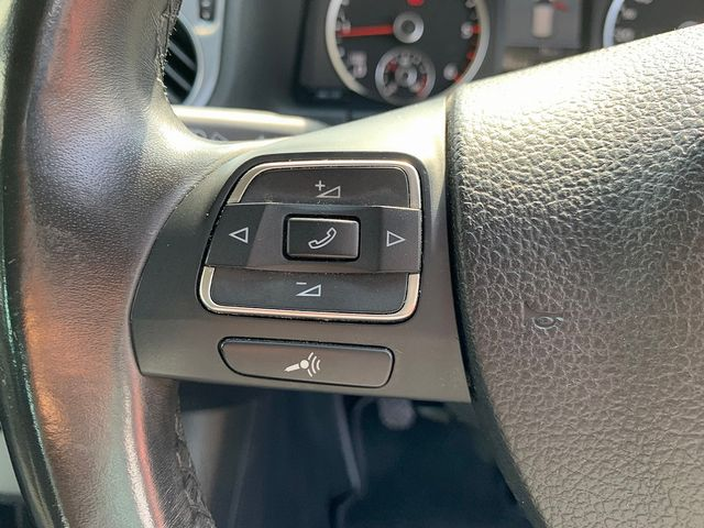 VOLKSWAGEN Tiguan SE TDI 4MOTION BlueMotion 2.0 140 PS (2013) for sale  in Peterborough, Cambridgeshire | Autobay Cars - Picture 19